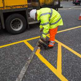 completing road markings